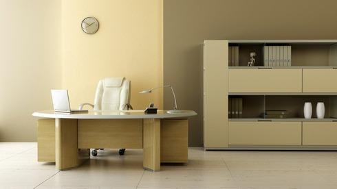 Büro- und Schulmöbel